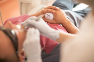 удалить зуб в Харькове, вырвать зуб, стоматолог-хирург